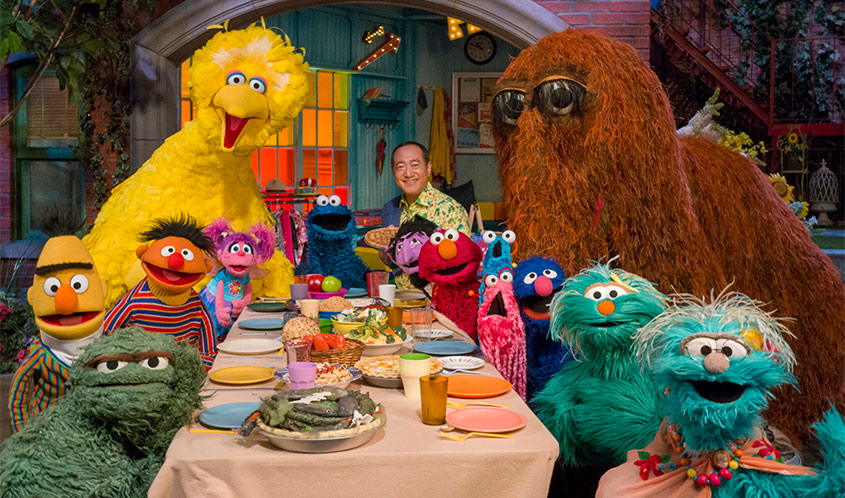 The Residents of Sesame Street Want Families to Have a Device-Free Dinner